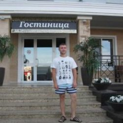 Парень. Ищет стройную девушку для секса без обязательств в Вологде.