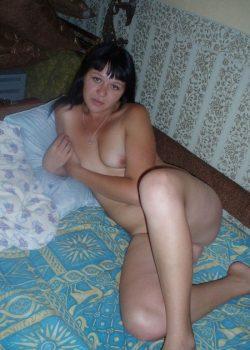 Похотливая девушка ищет горячего мужчину для секса в Вологде